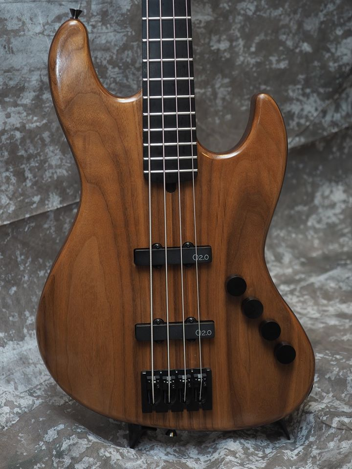 4 string bass equipped with J-bass Q-tuner pickups made by yoshiaki goto
