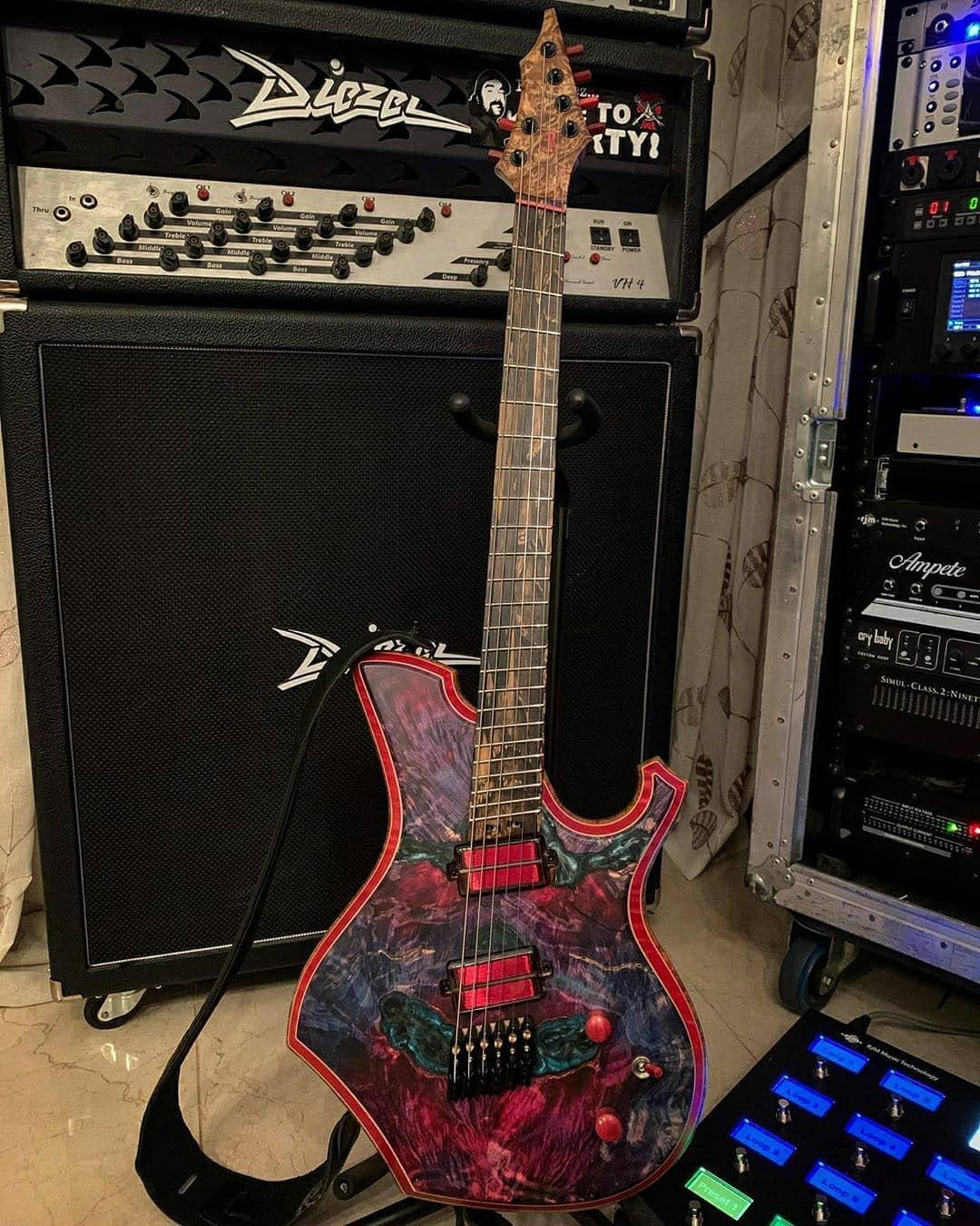 Alessandro Venturella setup q-tuner pickups barlow guitars