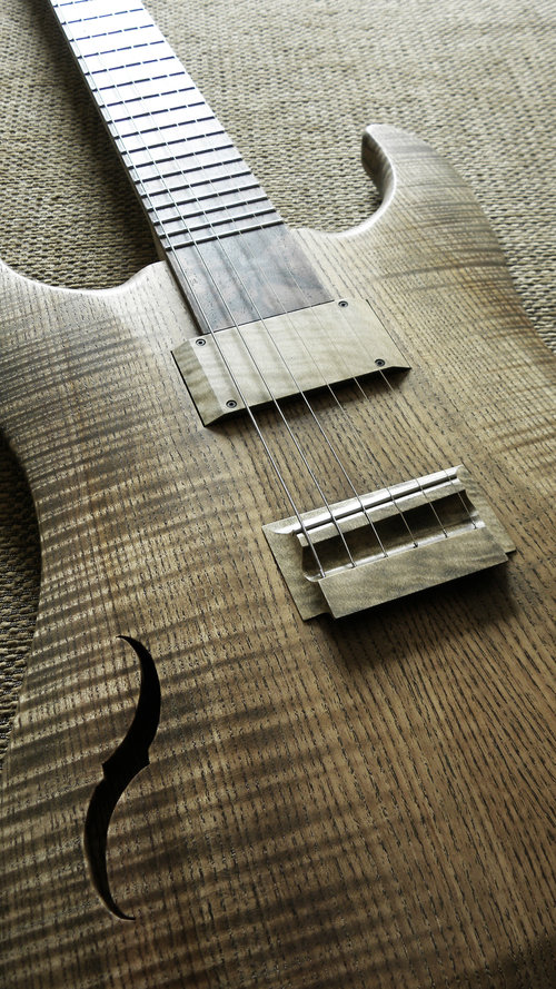 Halflight Guitars Naiad Hollow 2018 Rippled Ash Holly Walnut body angle detail q-tuner pickups