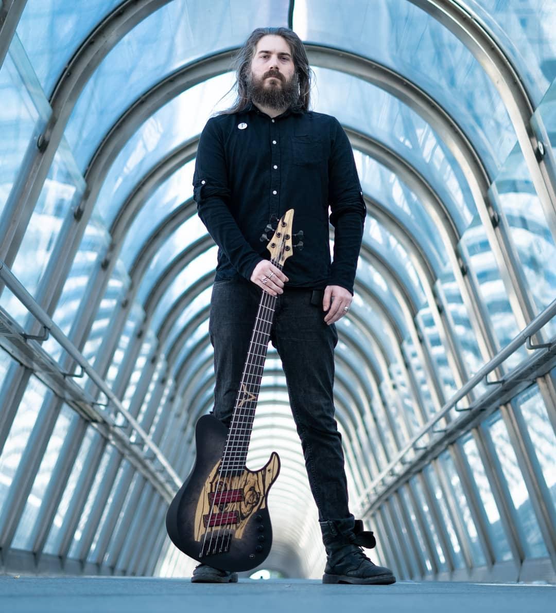 Valentin Hauser skervesen signature bass q-tuner